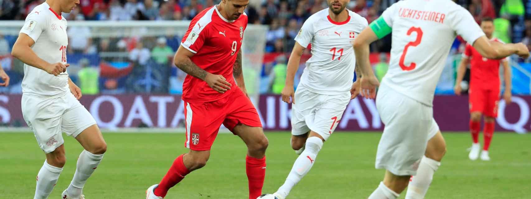 Kolarov en un partido del Mundial.