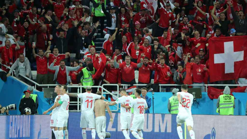 Suiza culminó la remontada gracias a los goles de Xhaka y Saqiri.