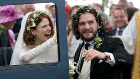 Kit Harington y Rose Leslie en su boda.