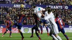 Gol de cabeza de Ramos al Levante