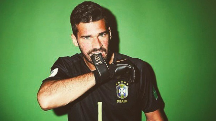 Alisson, con Brasil. Foto Instagram (@alissonbecker)