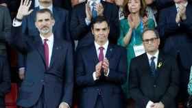 Torra y Pedro Sánchez junto al Rey en la inauguración de los Juegos Mediterráneos.