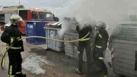 Valladolid-bomberos-incendio-contenedor