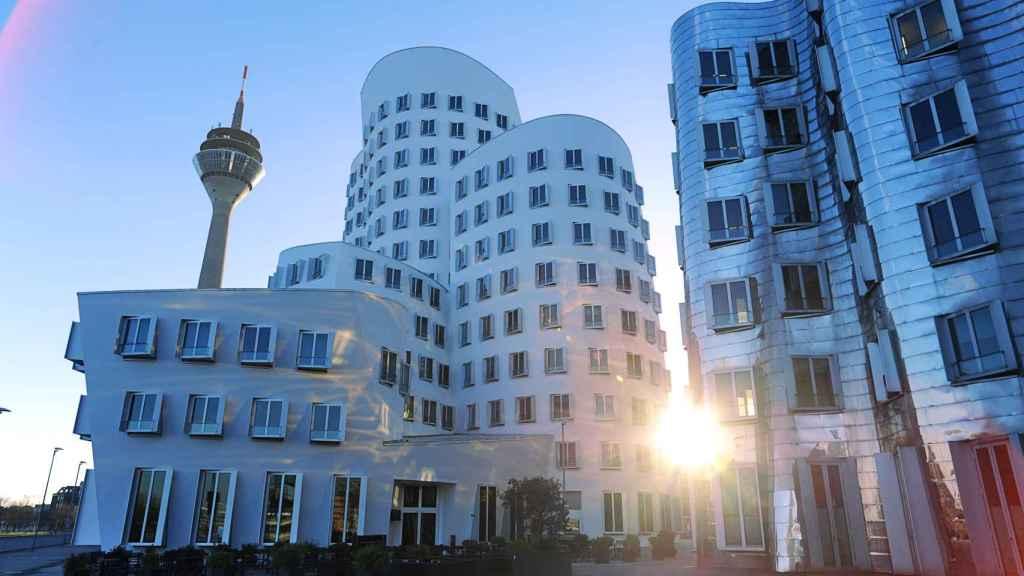 Los edificios de Frank Ghery ya son un icono de la ciudad.