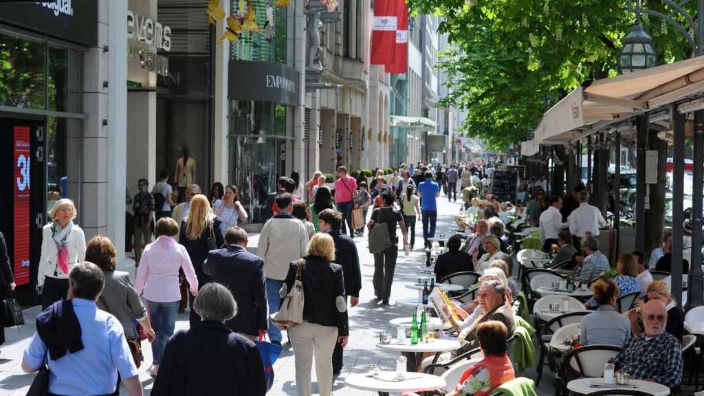 La Königsallee es la calle más lujosa de la ciudad y una de las más exclusivas del continente.