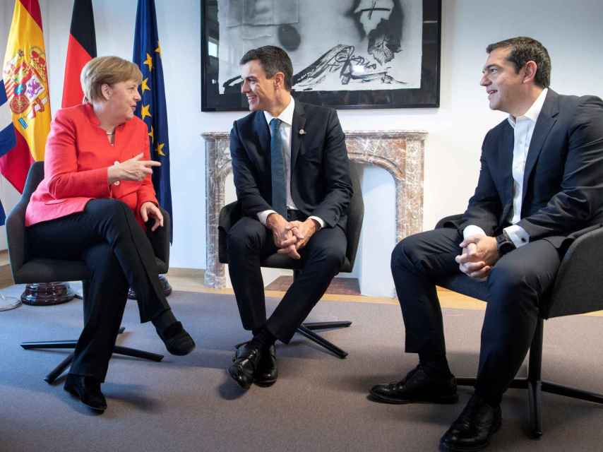 Sánchez ha mantenido una reunión  trilateral con Merkel y Tsipras