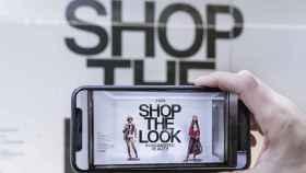 Zara presentó un app para ver sus modelos en realidad aumentada.