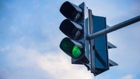 La foto de un semáforo.