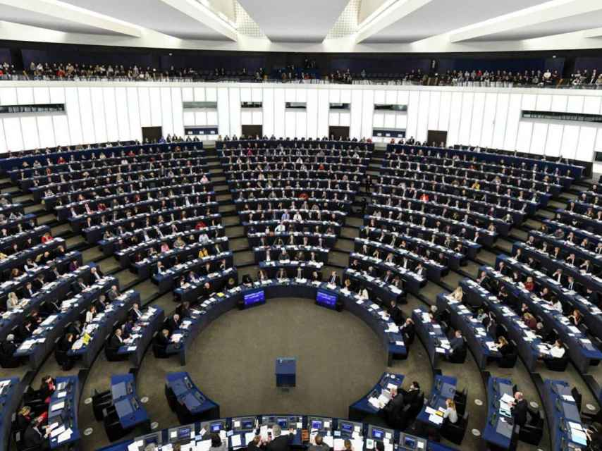 Hoy viernes, la Eurocámara decide el devenir de las grandes intermediarias en internet.