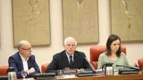 Borrell manda a los embajadores el discurso de Morenés ante Torra como modelo de reacción
