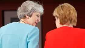 May se ha reunido este jueves con Merkel en Berlín