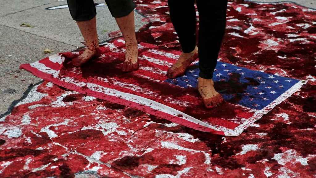 Manifestación LGTB frente a la embajada de EEUU en Ciudad de México