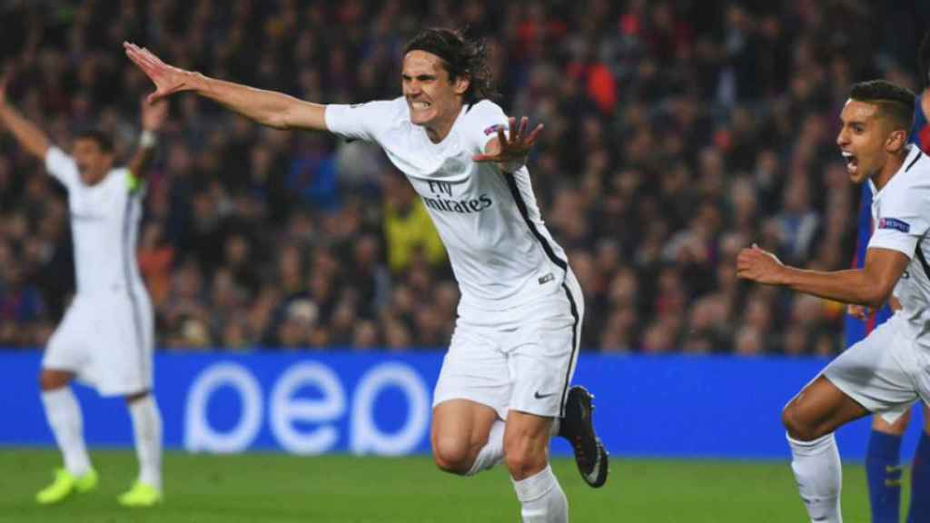 Cavani celebra su gol en el Camp Nou