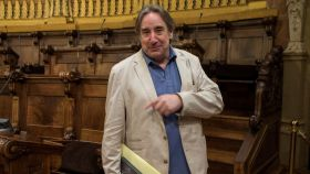 El actor Juanjo Puigcorbé, en una sesión plenaria del Ayuntamiento de Barcelona.