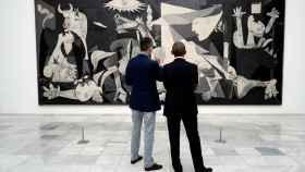 El Rey y Obama frente al Guernica