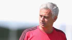Mourinho en la pretemporada del Manchester United. Foto: Twitter (@ManUtd)