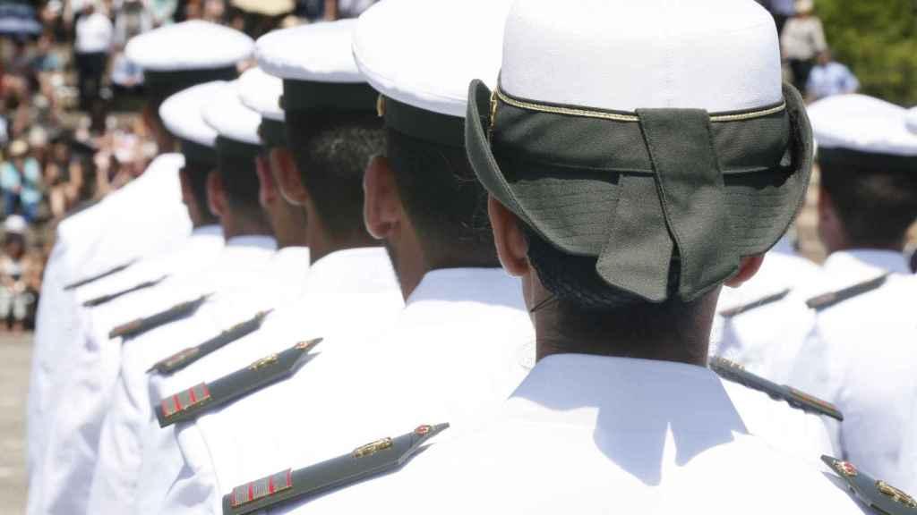 La norma que recoge la uniformidad en el Ejército está recogida en la Orden DEF/1756/2016 de 28 de octubre.