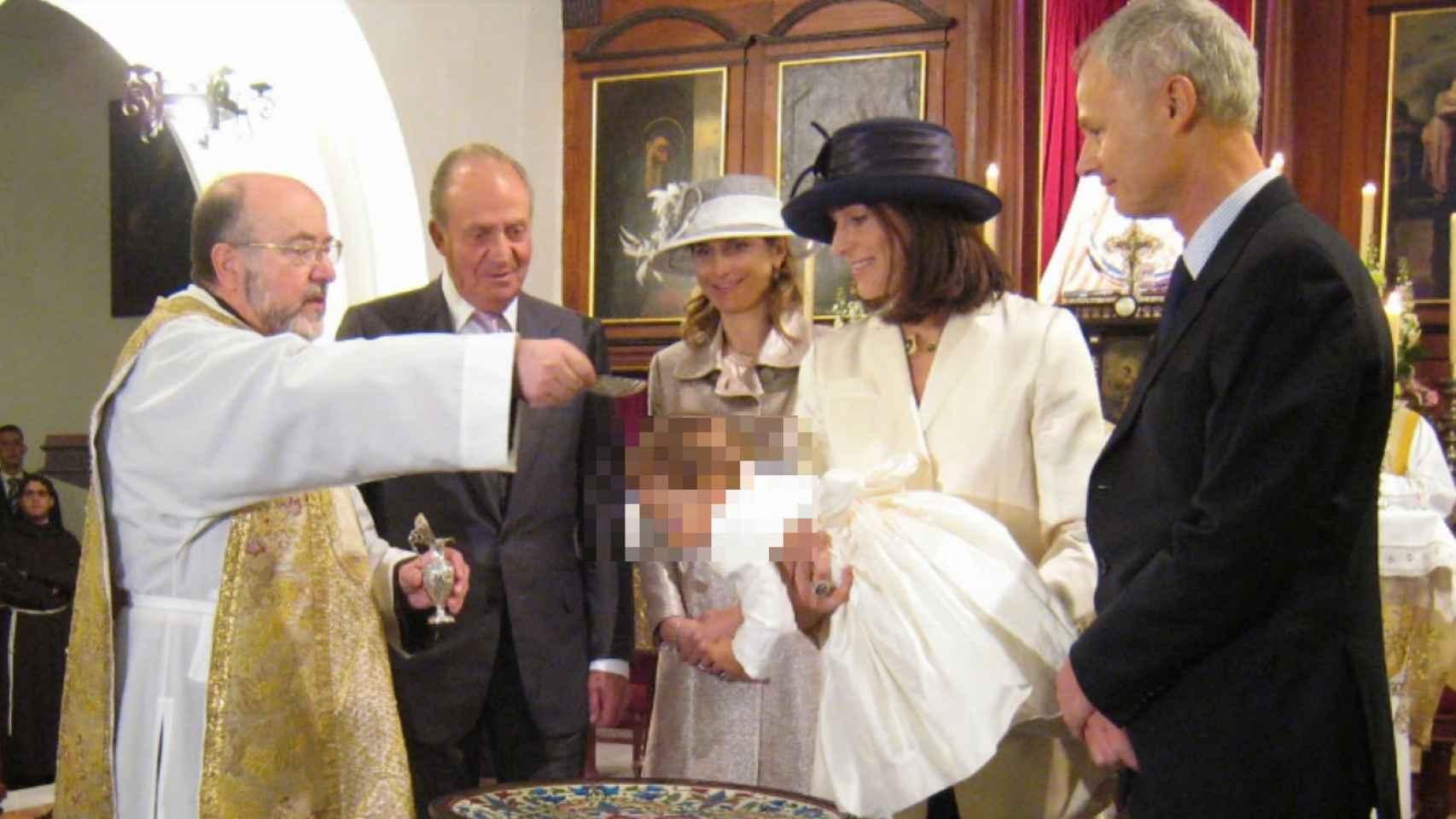 Bautizo de la hija de Álvaro de Orleans-Borbón, con Juan Carlos I como padrino.