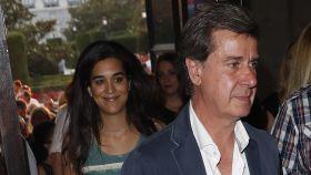 Cayetano M. de Irujo y su pareja Bárbara Mirjan en el acto.
