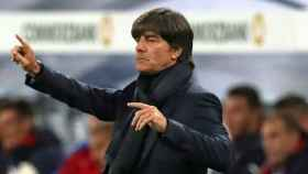 Löw, dirigiendo un partido. Foto. dfb.de