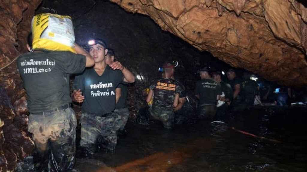 Pasadizos anegados e inmersiones contrarreloj: así ha sido el milagroso rescate en Tailandia