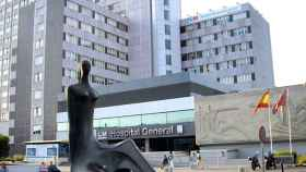 Fachada del edificio general del Hospital La Paz.