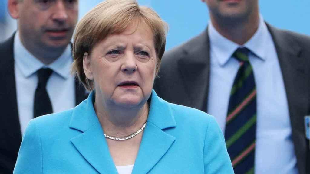 Merkel, durante el segundo día de la cumbre de la OTAN