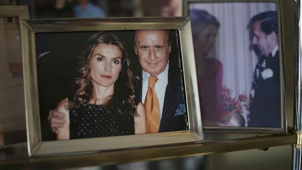 Una fotografía de Jaime Peñafiel con la reina Letizia.