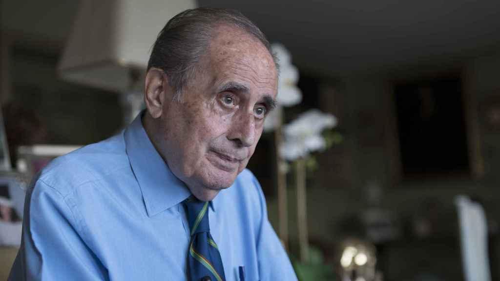 Peñafiel cree que si se reforma la Constitución, habría un referéndum y la monarquía desaparecería.