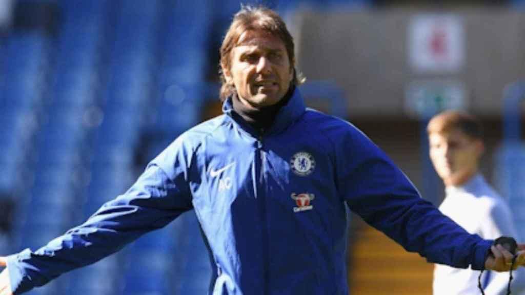 OFICIAL: Conte deja el Chelsea