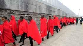 Llegan al puerto de Tarifa los 245 inmigrantes rescatados cuando intentaban llegar a España.