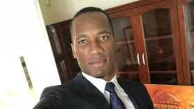 Drogba posa en una foto. Twitter: (@didierdrogba)