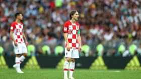 Modric, tras caer en la final del Mundial de Rusia. Foto Twitter (@FIFAWorldCup)