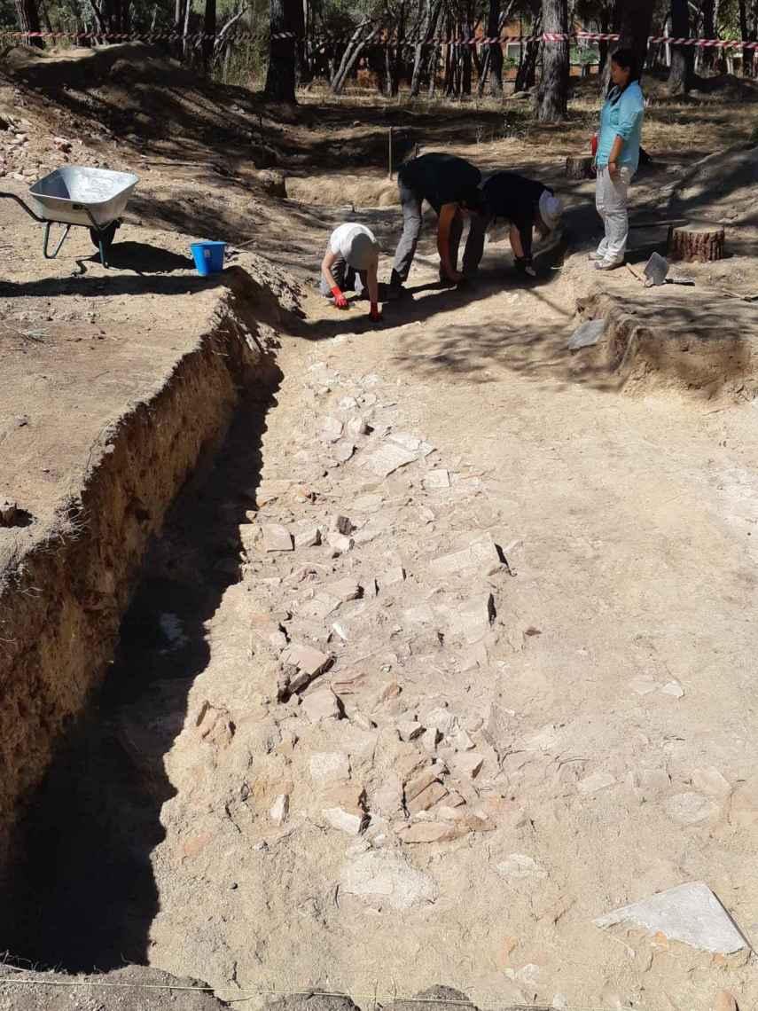 La trinchera hallada en su primer día de excavación.