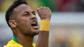 Neymar, en un partido de Brasil. Foto: Twitter (@neymarjr)