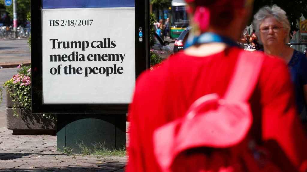Trump llama a los medios enemigos de la gente