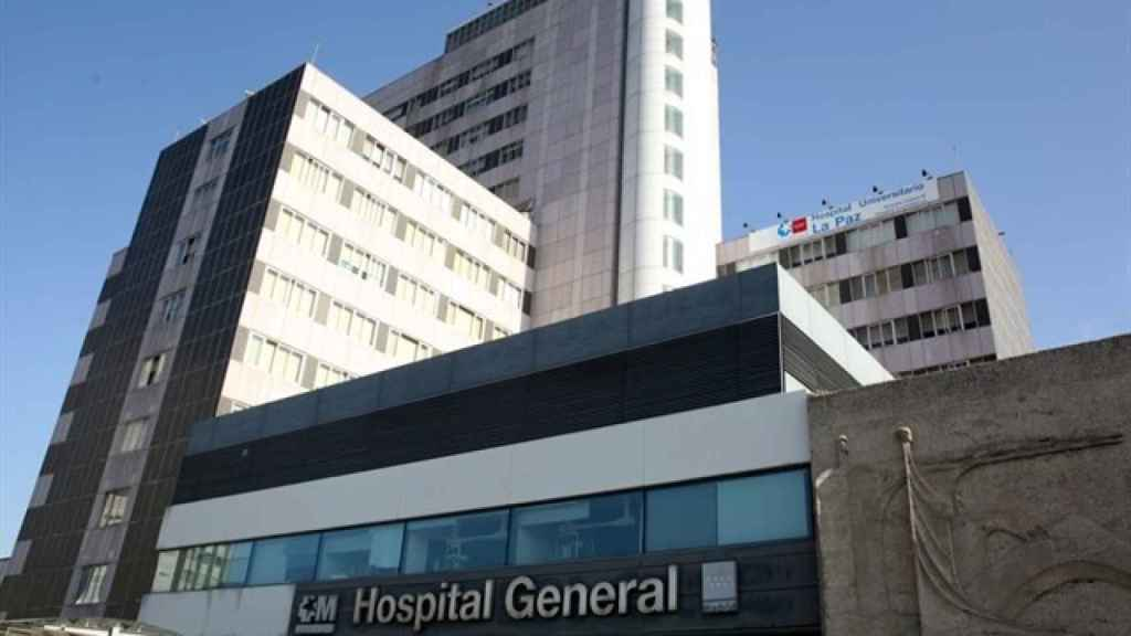 Fachada del edificio general del Hospital La Paz