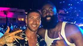 Sergio Ramos con James Harden en Ibiza. Foto: Instagram (@jharden13)