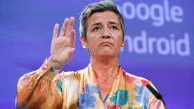 La comisaria Margrethe Vestager asegura que su decisión no tiene motivos políticos