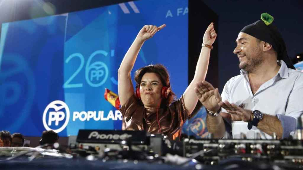 Soraya, ejerciendo de DJ.