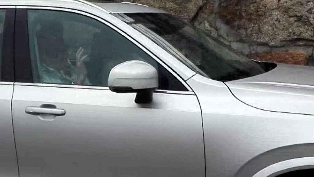 El rey Juan Carlos I, en un coche el pasado fin de semana en Sanxenxo.