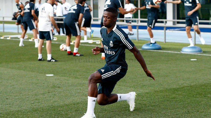 Vinicius quiere convencer y quedarse en el Madrid