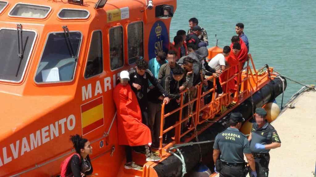 Llegada de 131 inmigrantes a Cádiz.
