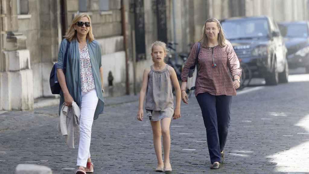 La infanta Cristina visitó a su marido al cumplir un mes en prisión.