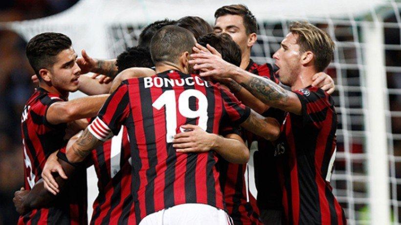 El Milan celebra un gol. Foto: acmilan.com