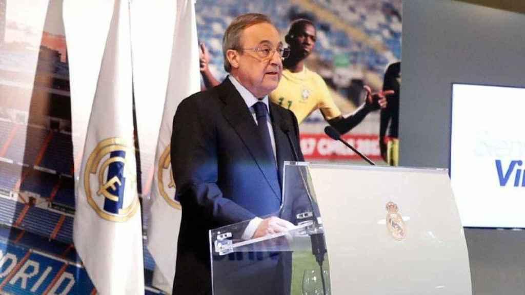 Florentino Pérez presenta a Vinicius