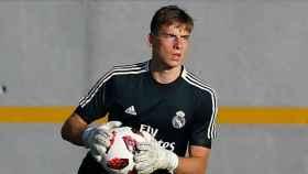 Lunin entrena con el Real Madrid