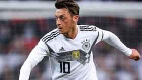 Özil con la selección alemana. Foto Instagram (@m10_official)