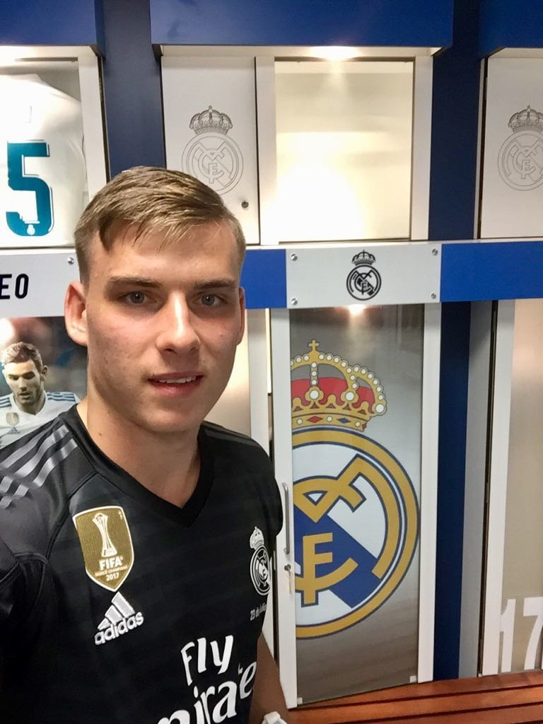 Así vivimos la presentación de Lunin con el Real Madrid