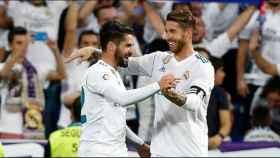 Sergio Ramos e Isco celebran juntos un gol del Real Madrid